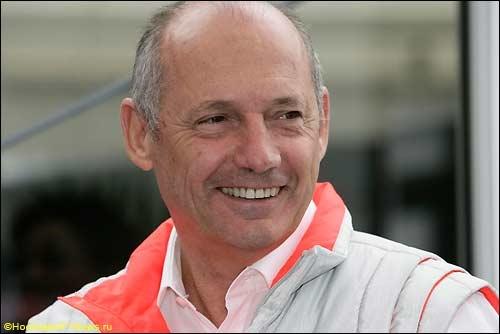 F1. Глава McLaren встал на защиту Хэмилтона