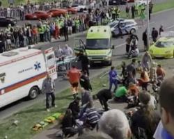 Во время автошоу в Польше спорткар въехал в зрителей